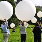 Ballonverstreuung mit der Familie 2