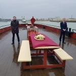 Laatste-eer-bewijzen-door-begeleiding-te-geven-naar-open-zee